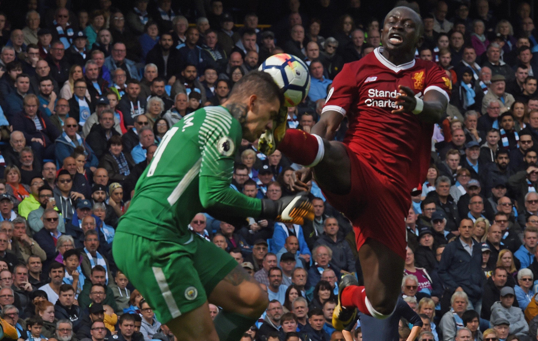 Escalofriante golpe de Mané a Ederson en goleada de Manchester City contra Liverpool