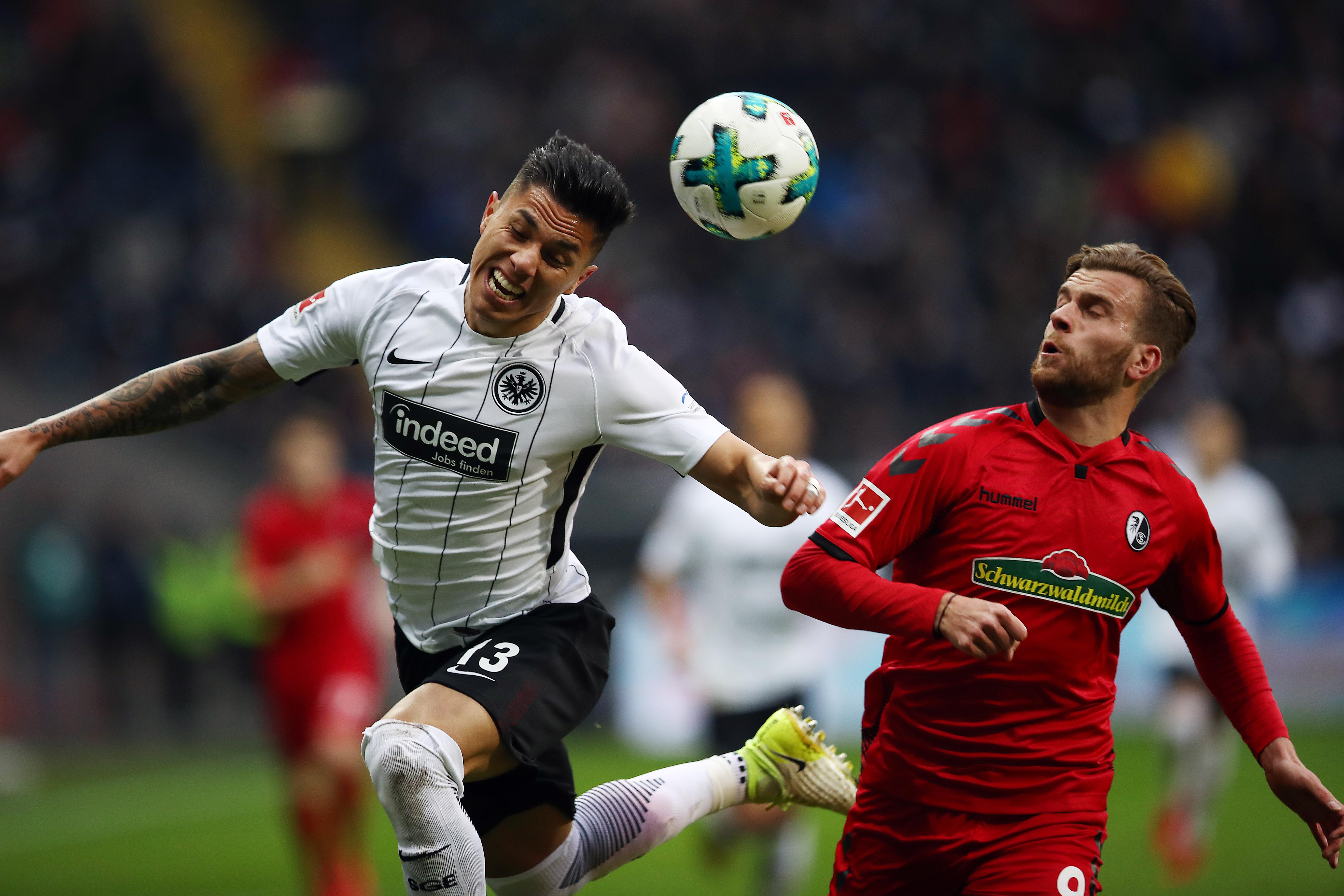 En fotos: Eintracht Frankfurt empató ante el Friburgo con Carlos Salcedo de titular