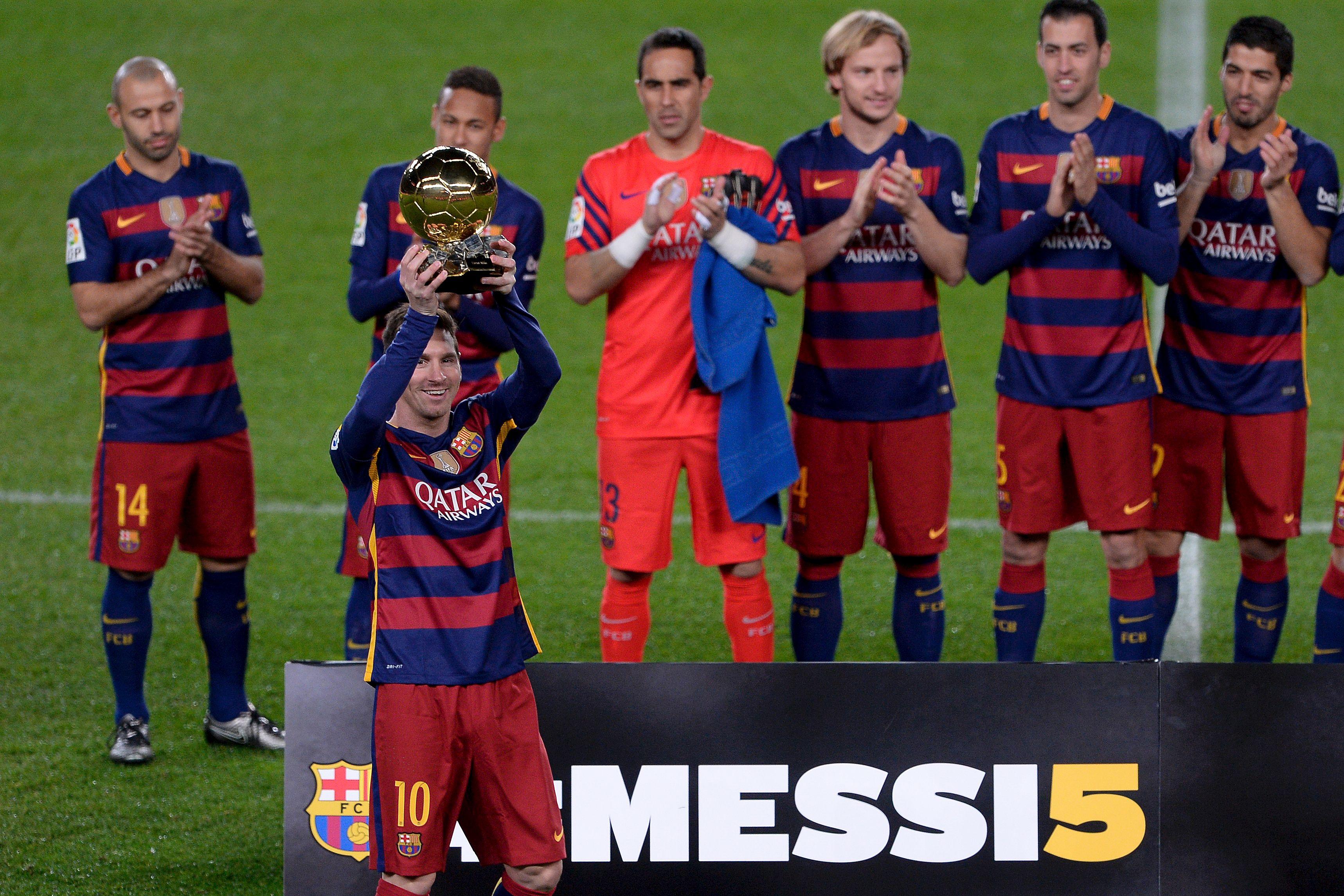 db27c7b294cd0 Messi ofrece su quinto Balón de Oro al Camp Nou