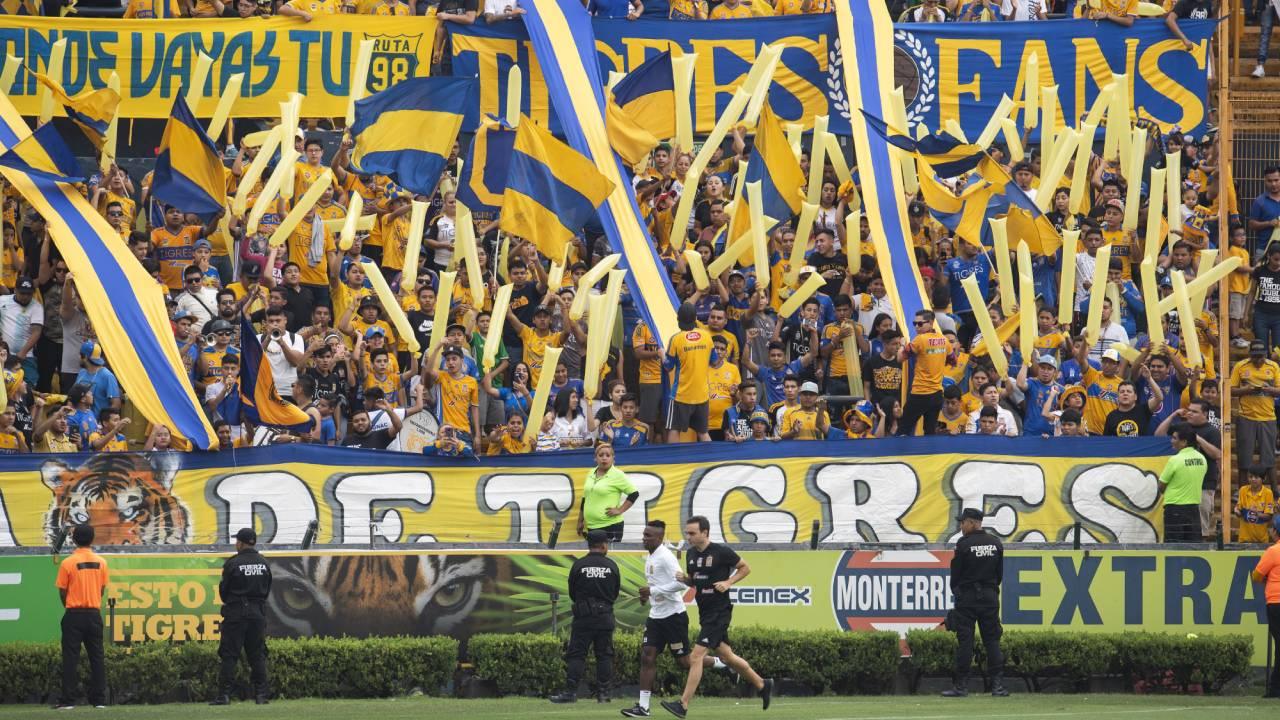 ¡Con las banderas en alto! Así despidieron sus fanáticos a Tigres antes de la Final