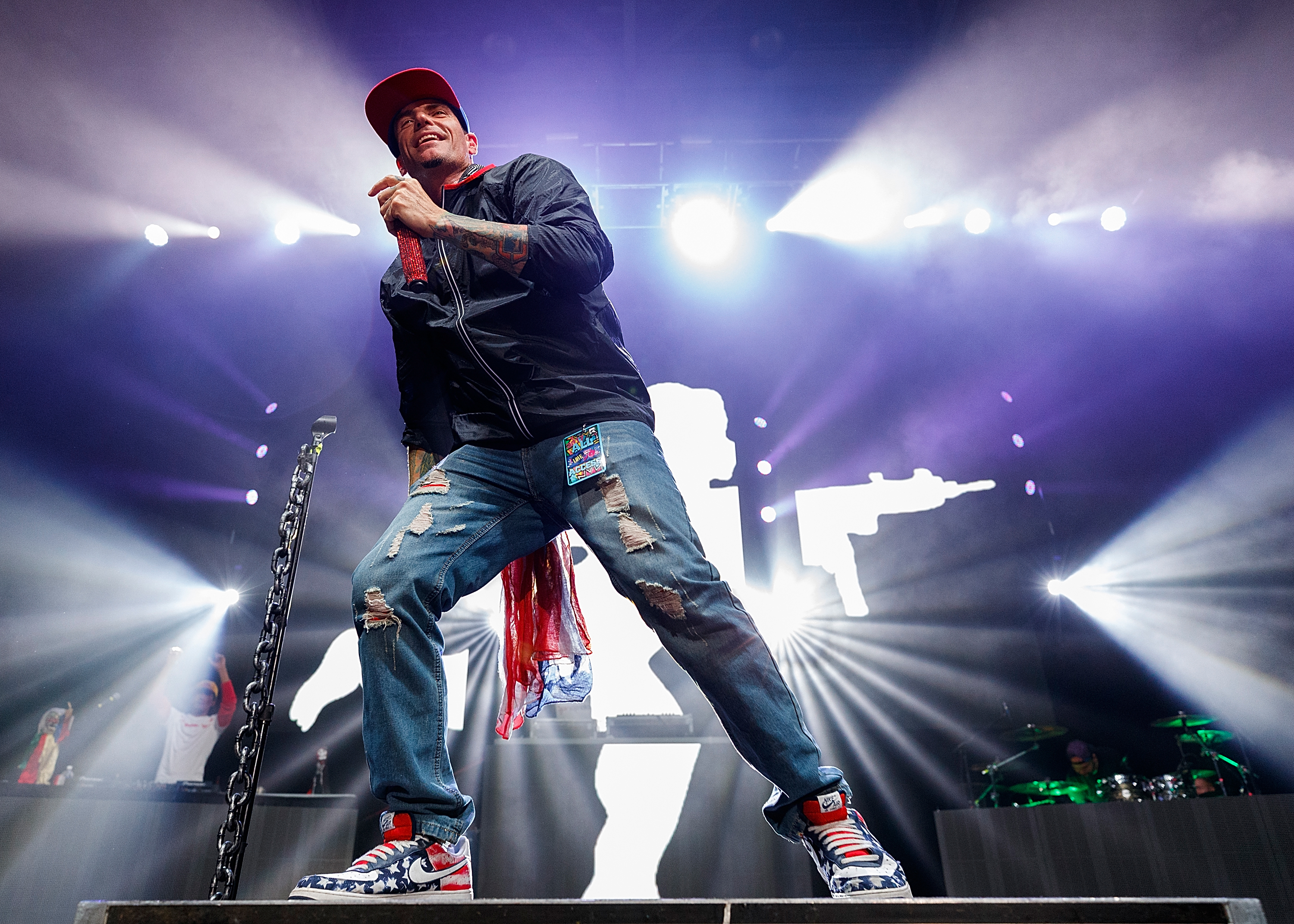 VANILLA ICE CLAIMS HE BOUGHT 'UNDER PRESSURE,' QUEEN SAYS