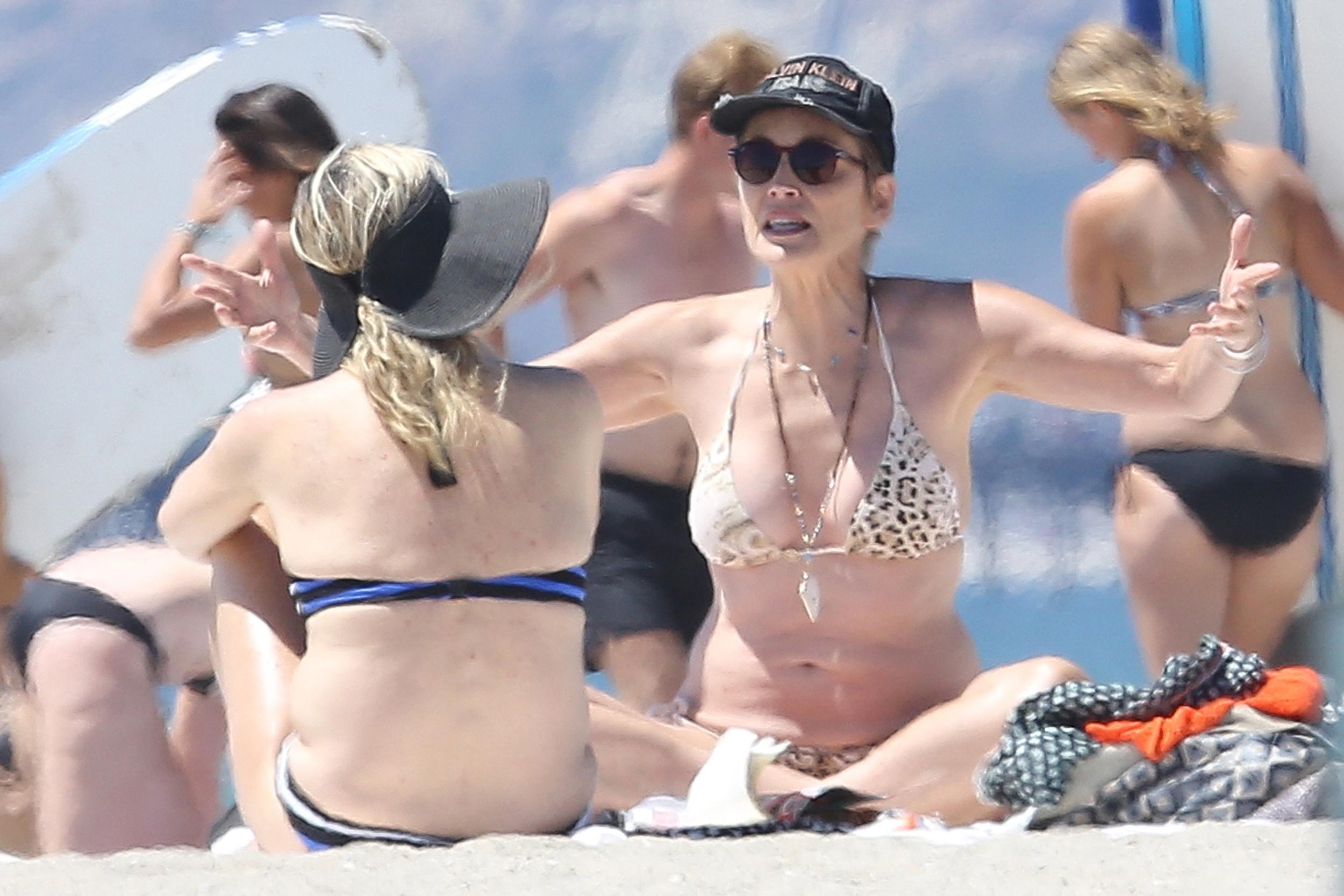 """Oops! Sharon Stone sufrió un """"wardrobe malfunction"""""""