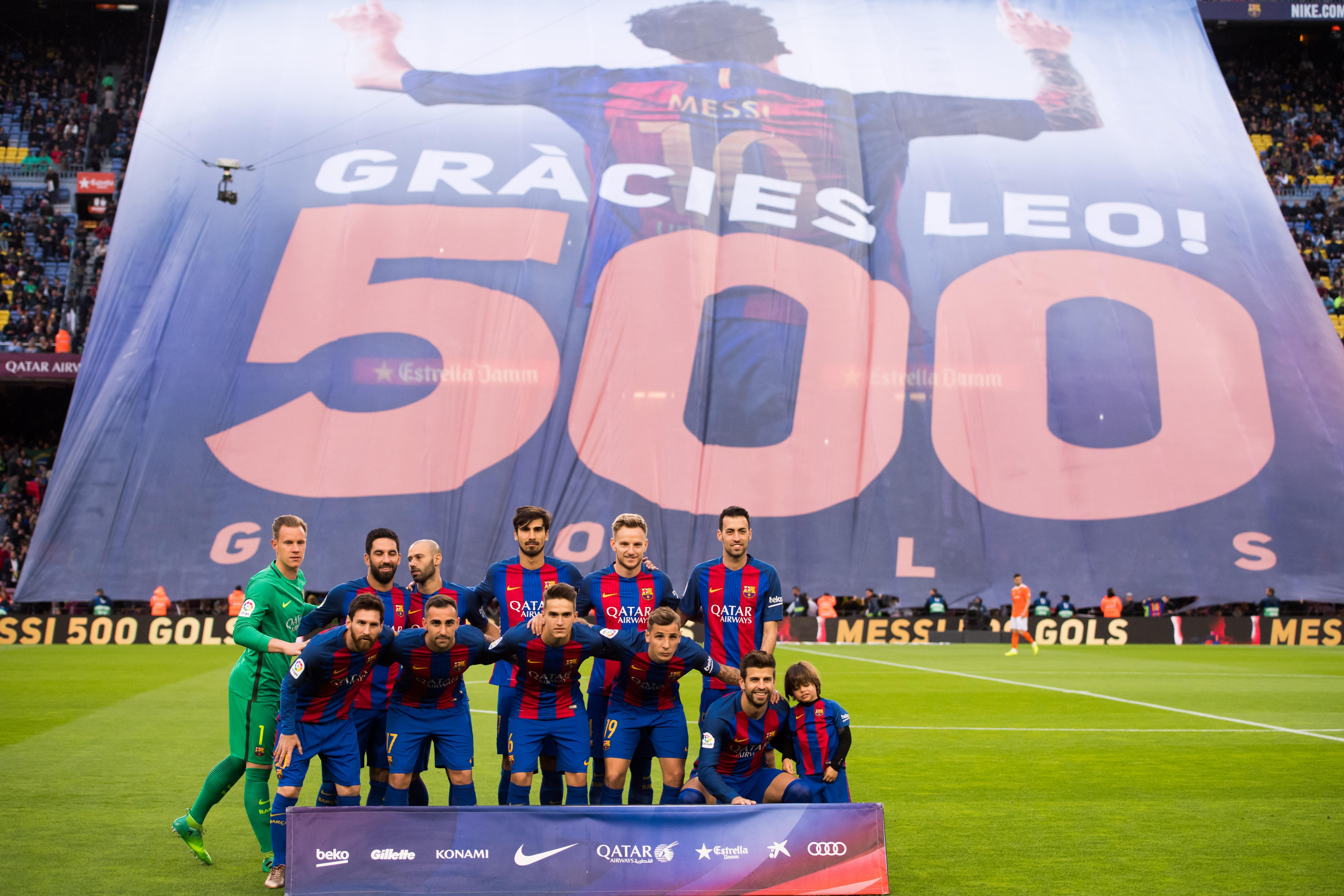 Barcelona mantiene su liderato con goleada 7-1 contra Osasuna en la Liga de España