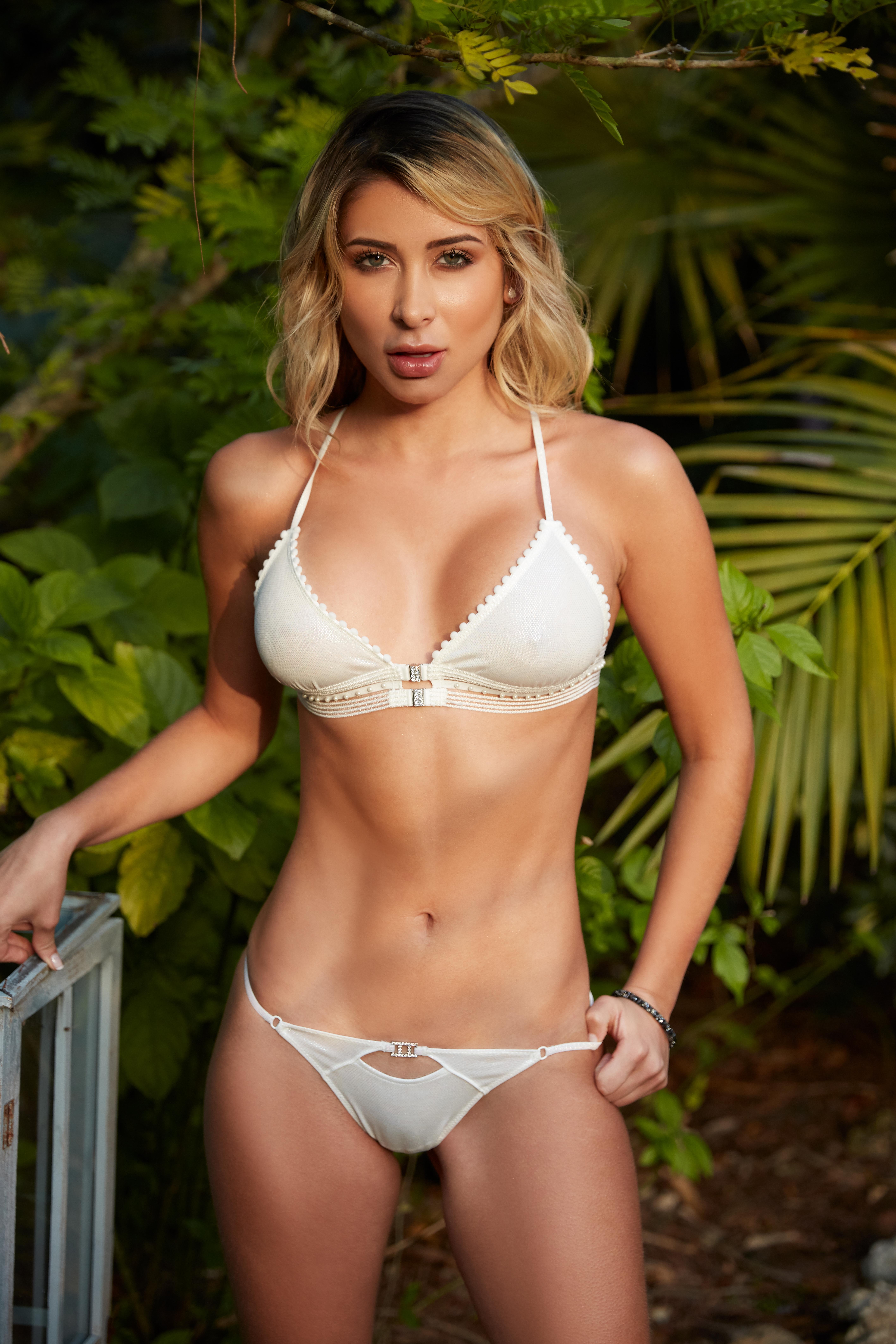 Pics Laura Monroy nude (68 photo), Sexy, Leaked, Selfie, lingerie 2020
