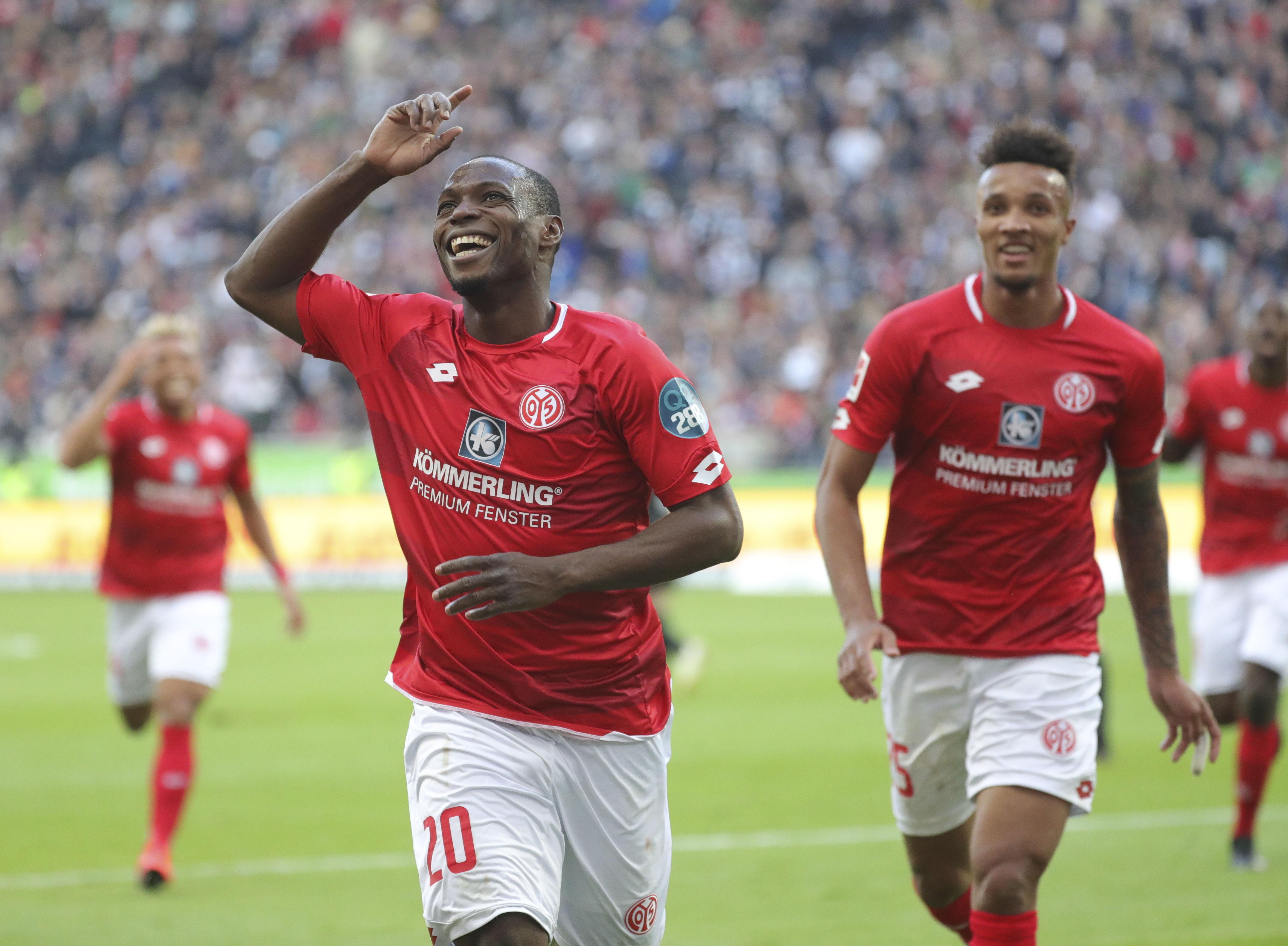 En fotos: Eintracht Frankfurt complica su lucha por la Champions tras perder con Mainz 05