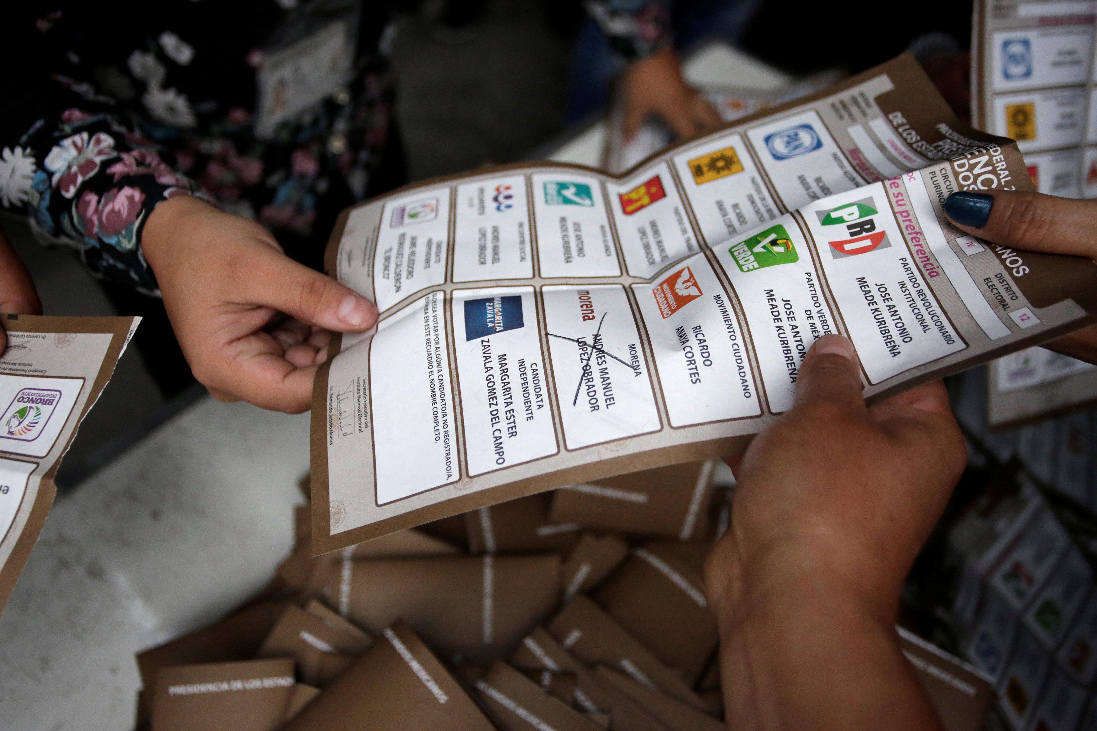 En fotos: Cierran las casillas electorales en todo el territorio mexicano
