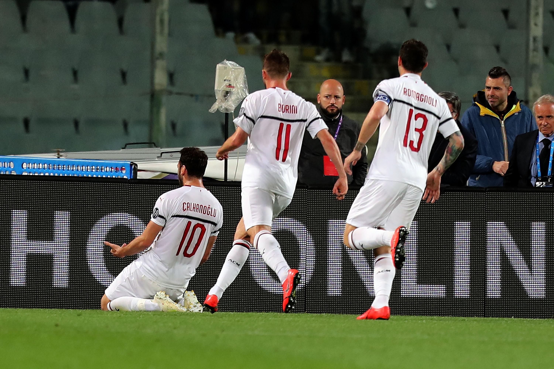 En fotos: Milan supera con lo justo a Fiorentina y sueña con la Champions