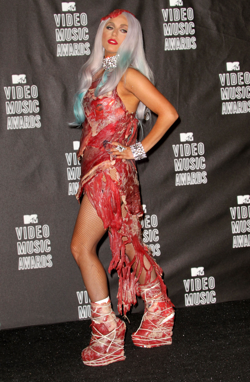 Vestido De Carne De Lady Gaga Se Exhibe En Museo Música