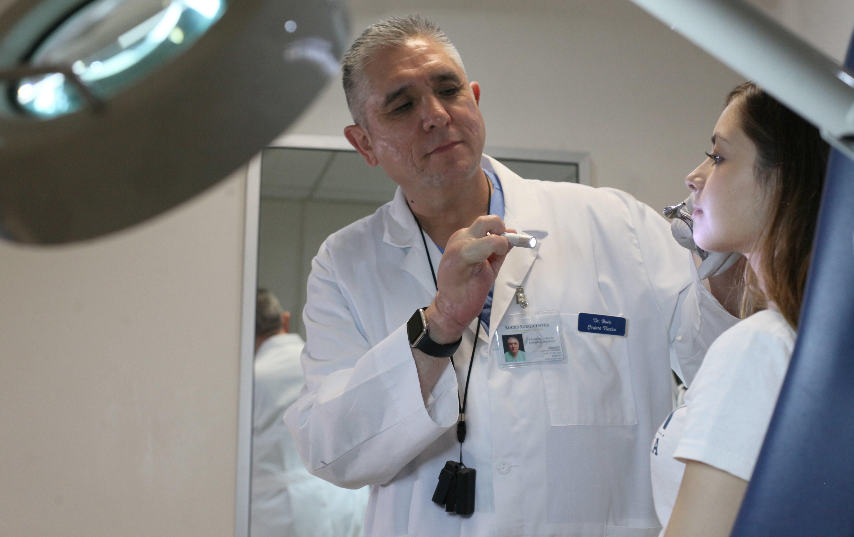 10 Consejos Para Elegir Un Cirujano Plástico Confiable