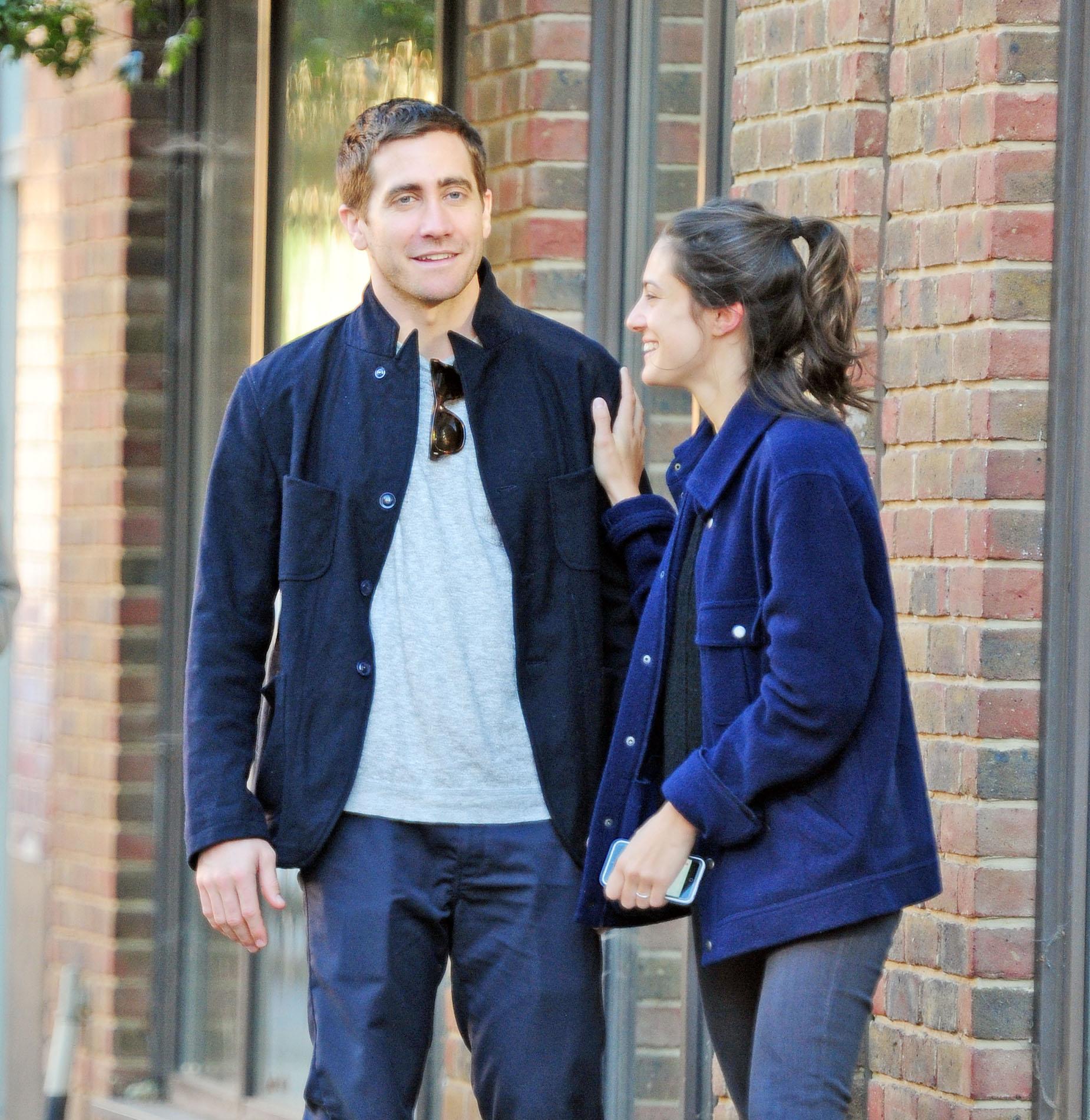 Jake Gyllenhaal coquetea con chica misteriosa