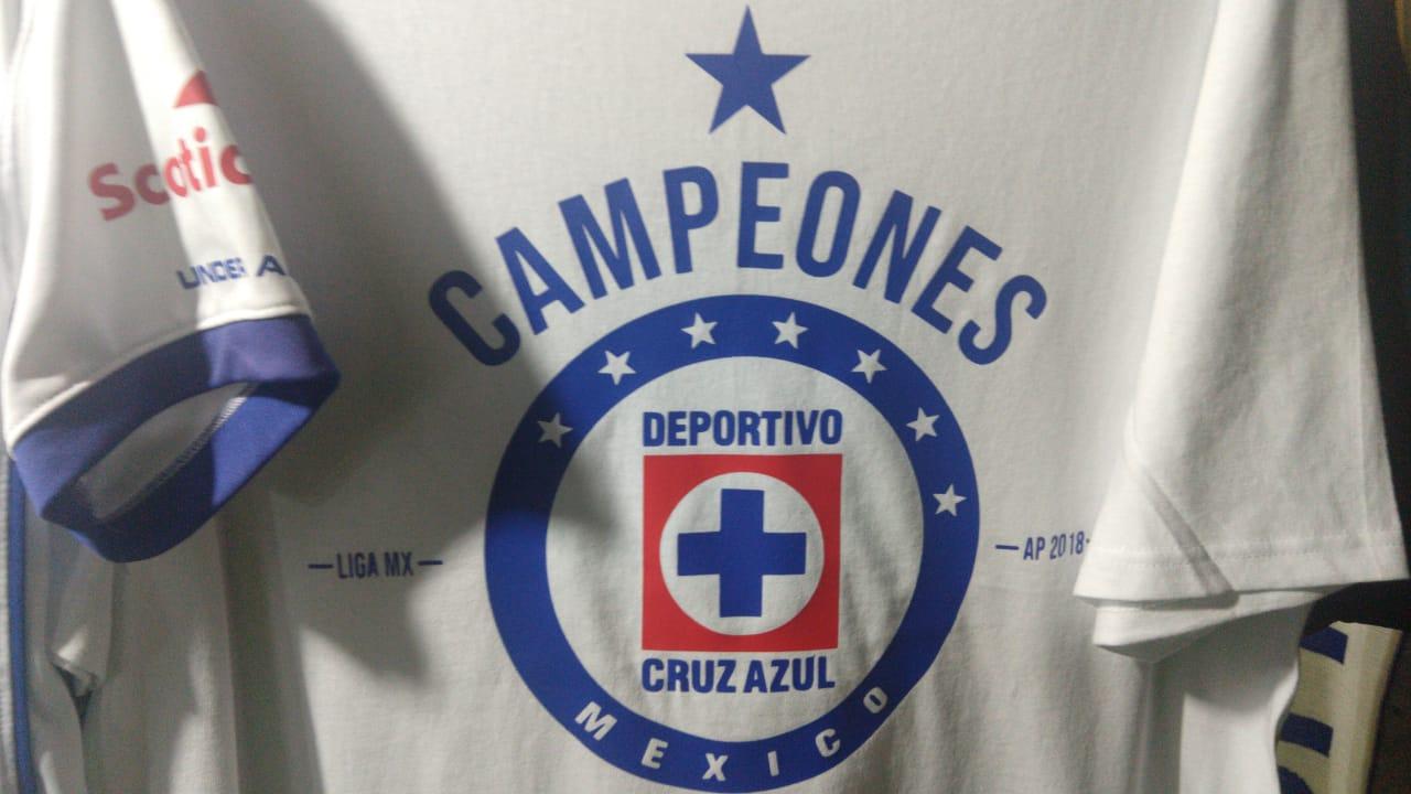 Venden camiseta del Cruz Azul Campeón... con una estrella menos ... 34115f25ed8d5
