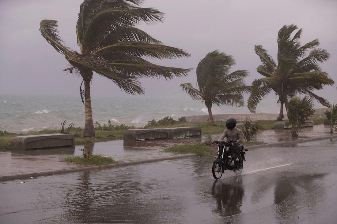 Después de pasar por Cuba, la tormenta Elsa se dirigirá a la costa oeste de  Florida | Noticias Univision Meteorología | Univision