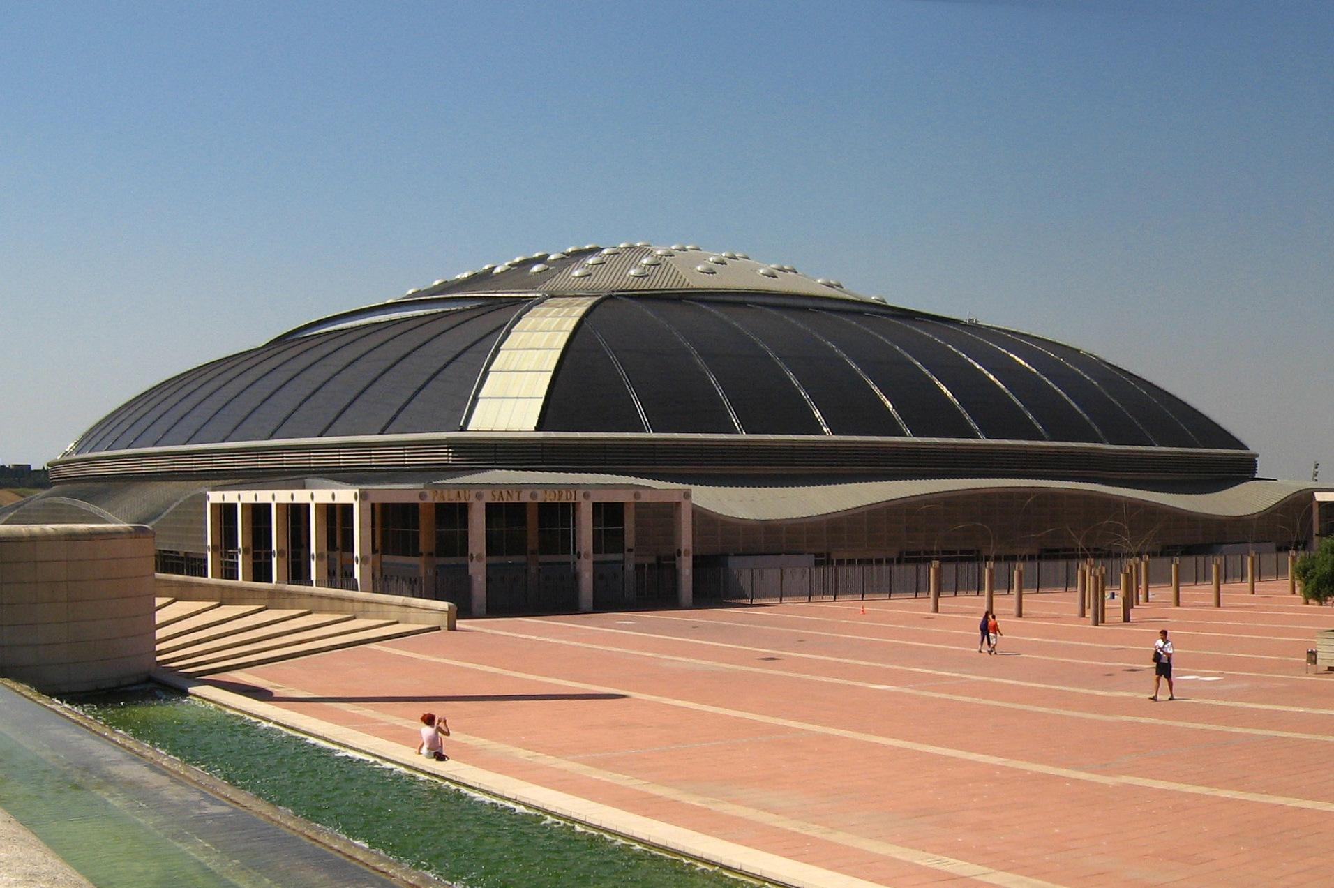 Palau Sant Jordi, un estadio cubierto en Barcelona, España. Construido para los Juegos Olímpicos de 1992.