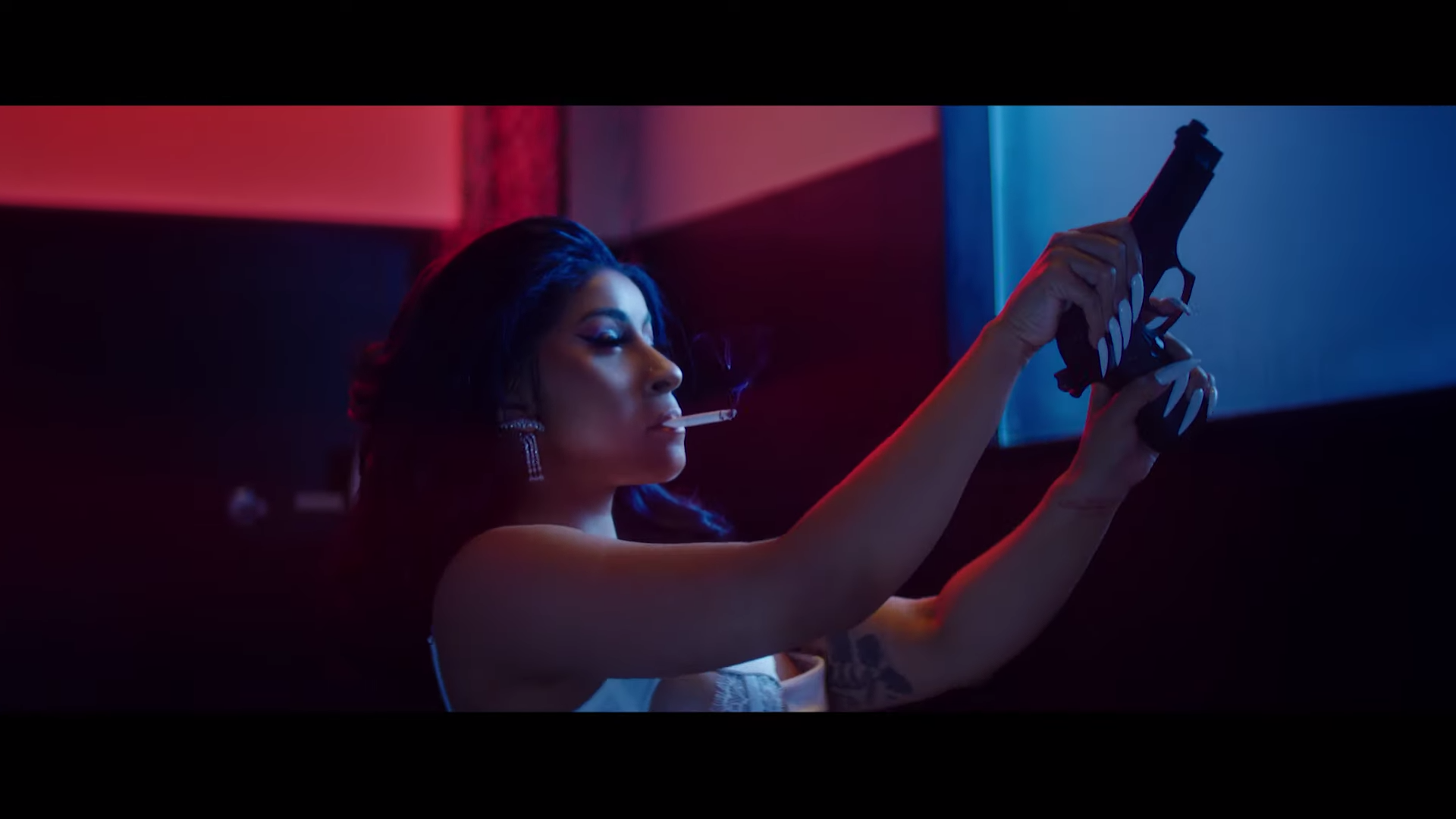 Cardi B Releases Steamy Press Video Univision 98 5 The Beat