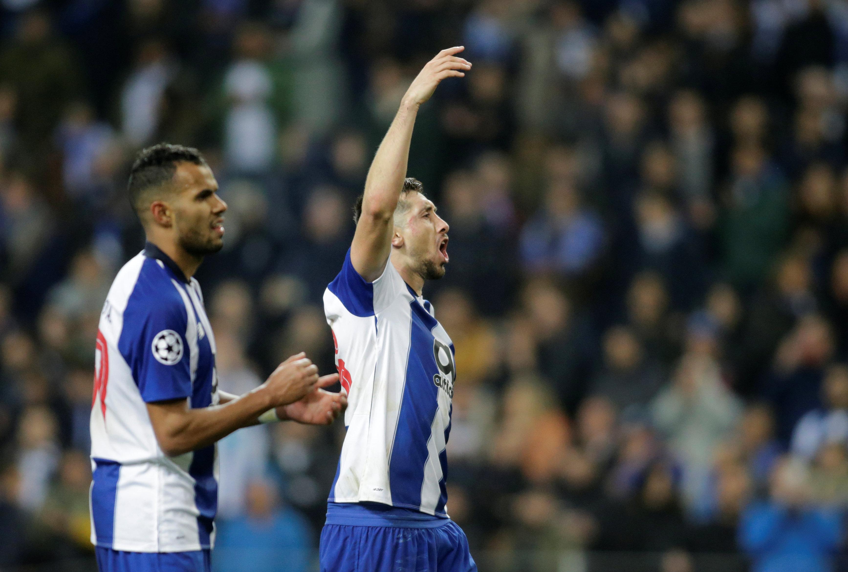 Caras tras un duelo épico: la euforia de Porto y la tristeza de Roma en la Champions