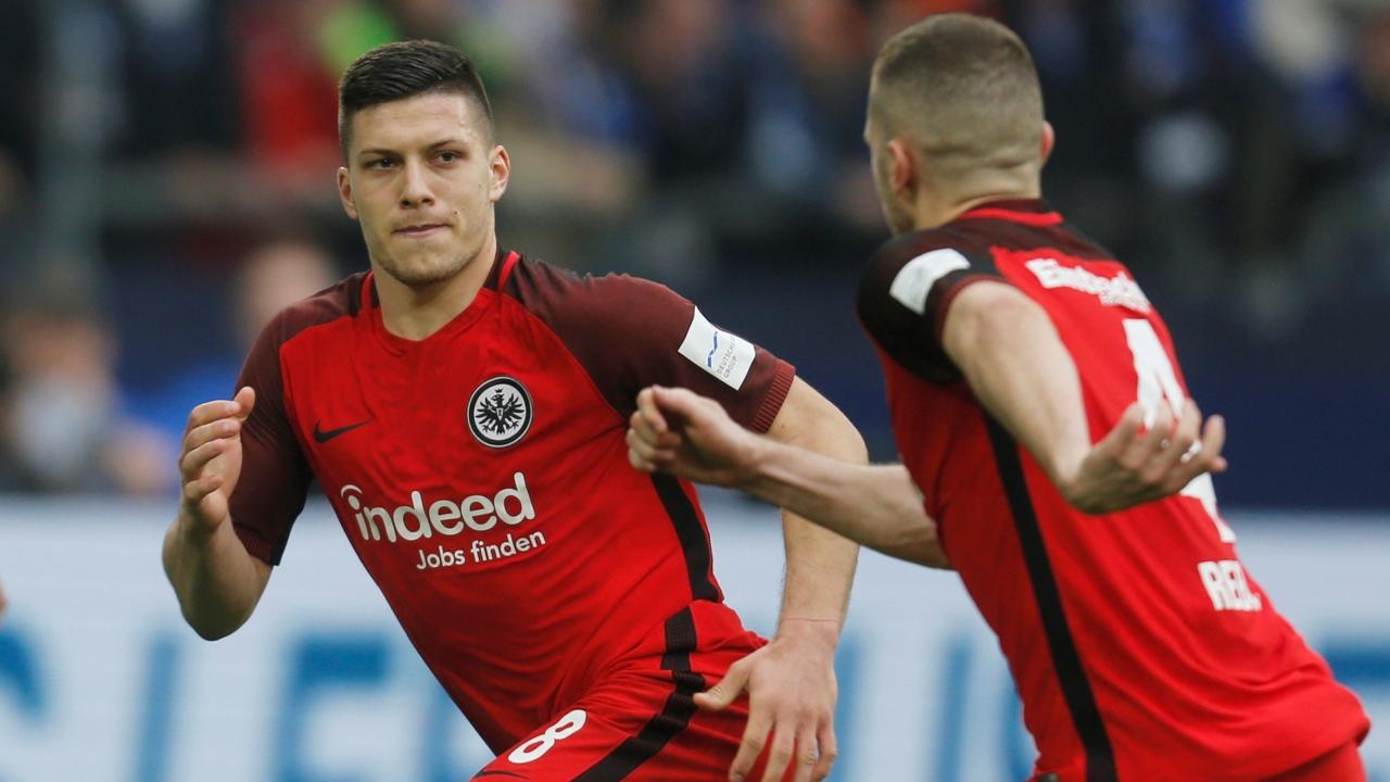 En fotos: al último minuto, Eintracht Frankfurt derrotó por 2-1 al Schalke 04