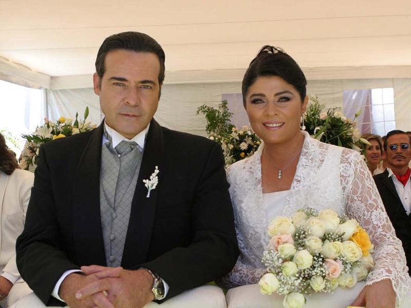 Victoria Ruffo Y César évora Y Su Eterno Amor En Las Telenovelas