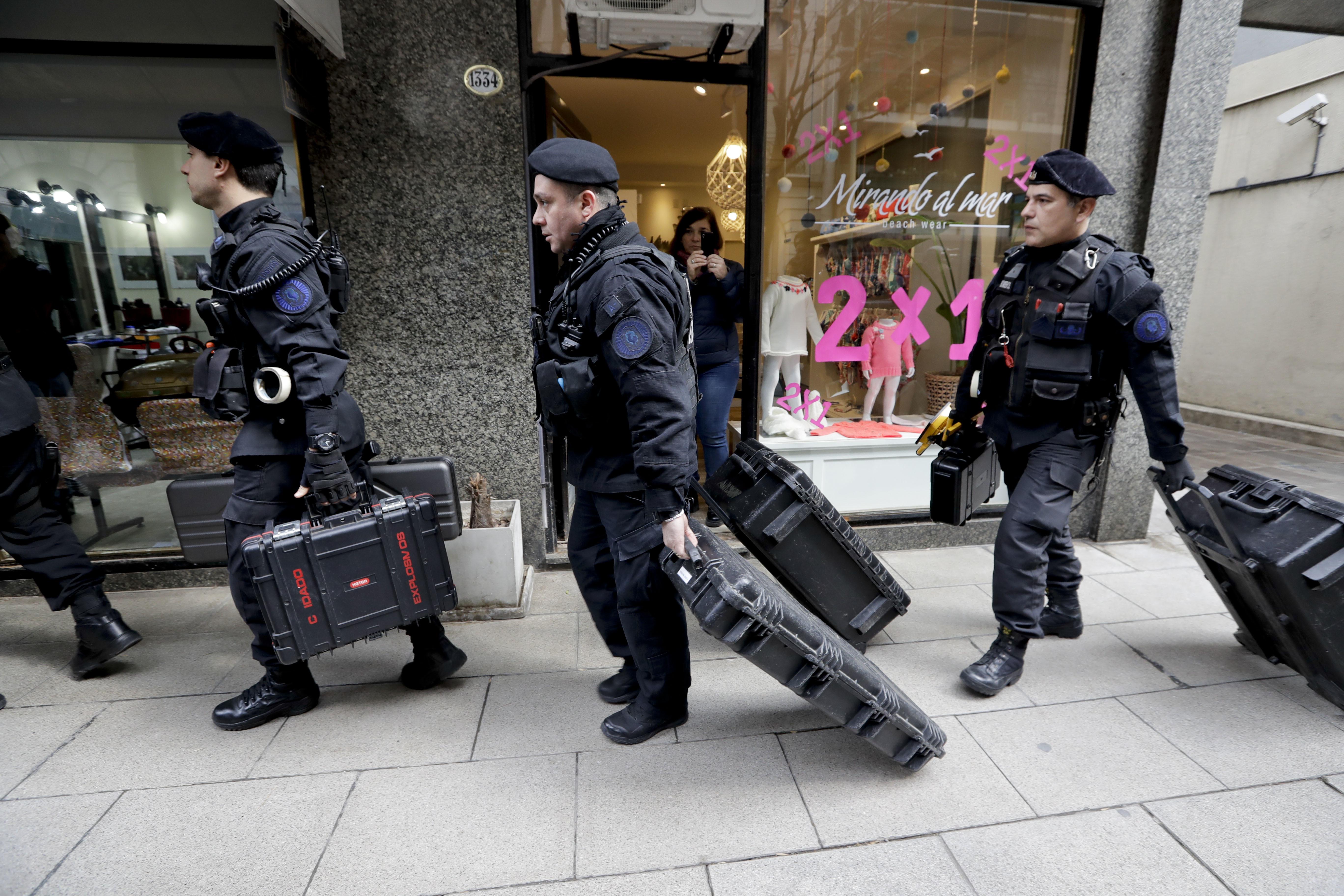 Justicia argentina allana domicilios de la expresidenta Cristina Fernández de Kirchner
