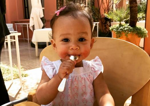 Luna, la hermosa bebé que se roba la atención en las redes sociales de John Legend