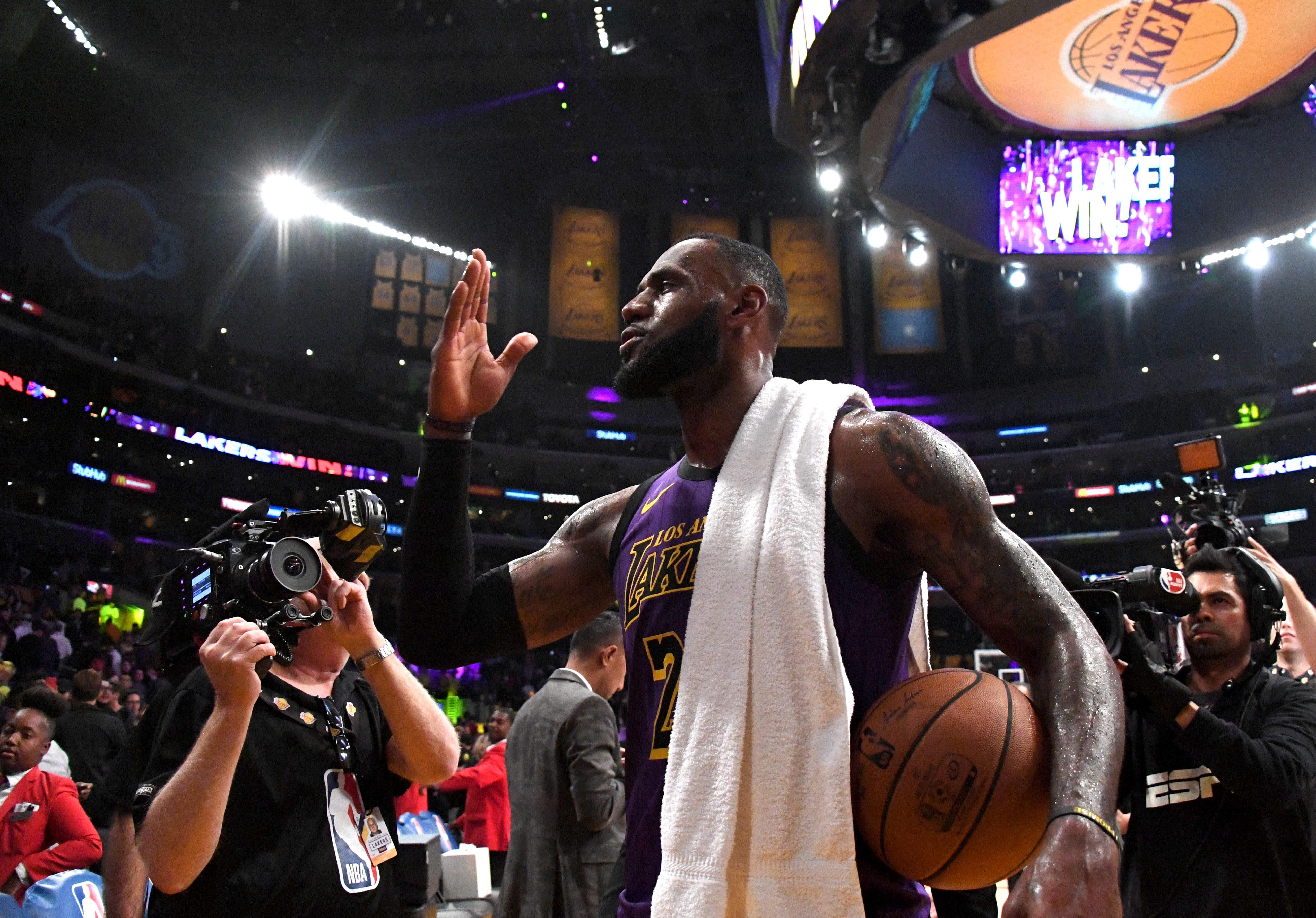 ¡Va por Jordan! Lebron James se metió en el Top 5 de los máximos anotadores de la NBA