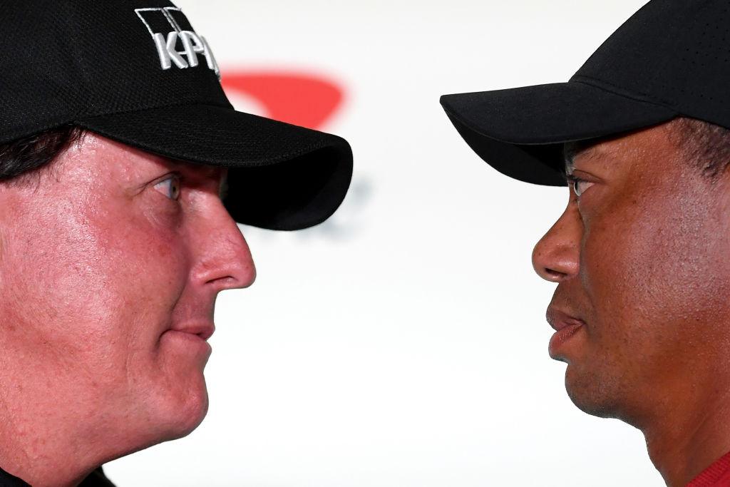 Este viernes Tiger Woods y Phil Mickelson van cara a cara con nueve millones en juego