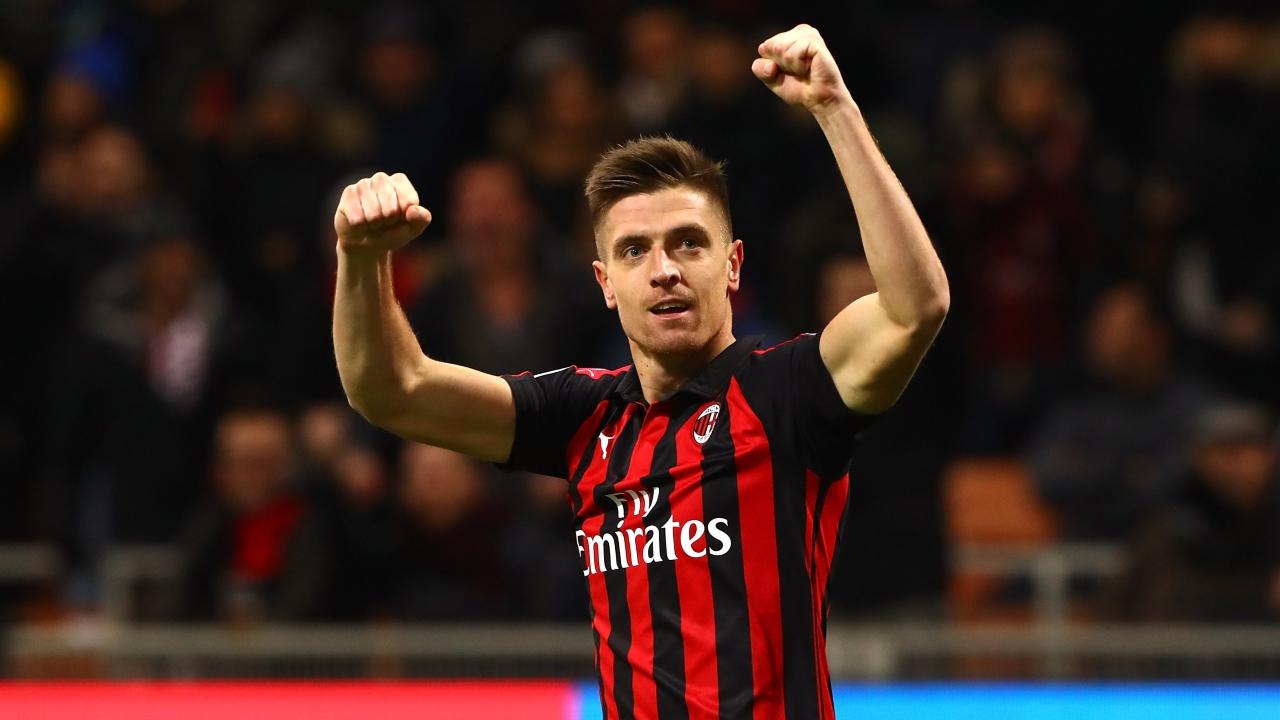 En fotos: Krzysztof Piatek se estrenó con doblete para el Milan, que eliminó al Napoli de la Copa Italia