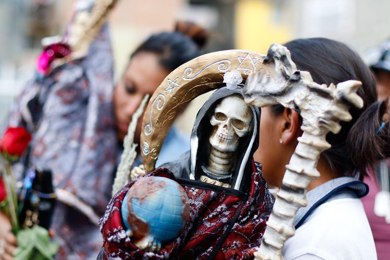 Así es el culto a la Santa Muerte en uno de los barrios más