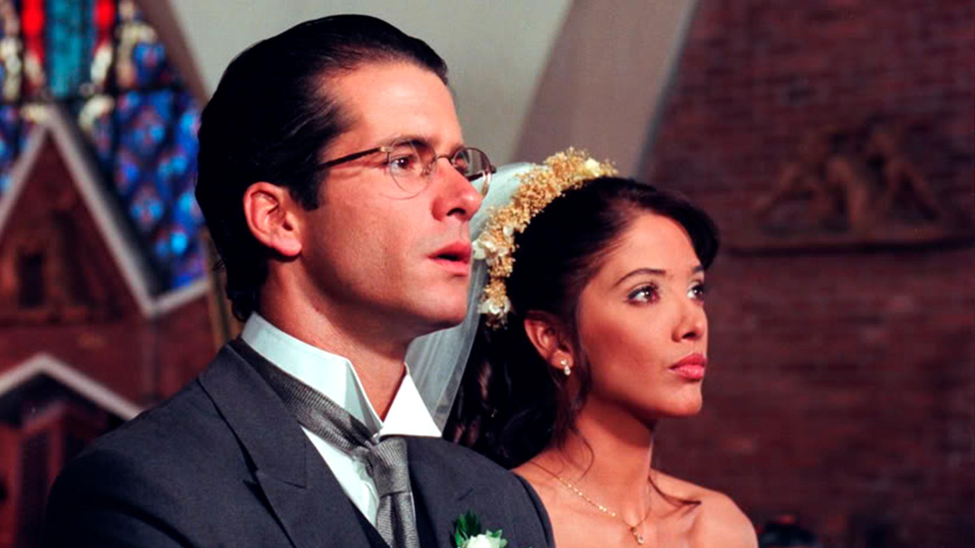 """Adela Noriega dijo """"no"""": Fernando Carrillo le pidió matrimonio a la actriz en la vida real (y tenemos los detalles)"""