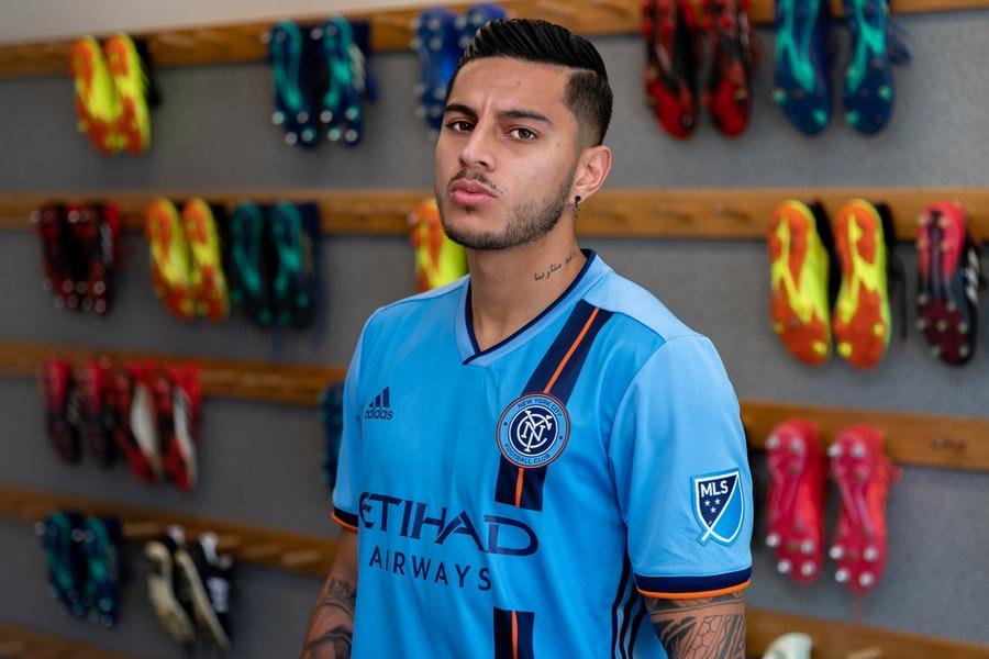 Con inspiración en la ciudad y sus aficionados, New York City FC dio a conocer su nueva camiseta