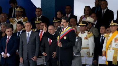 Nicolás Maduro pide a las fuerzas armadas venezolanas estar vigilantes ante rumores de una invasión de EEUU