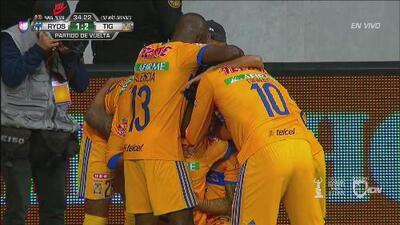 Tigres remonta a Rayados y con este remate de Francisco Meza pone el 2-1