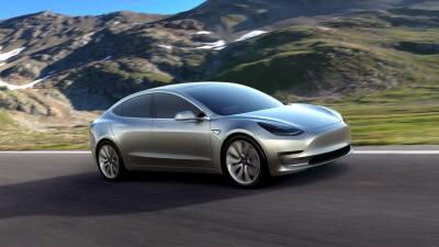 El Tesla Model 3 debuta en las calles de California