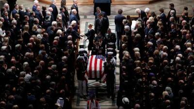 El funeral de John McCain se convierte en una lección de convivencia política y un regaño a Donald Trump