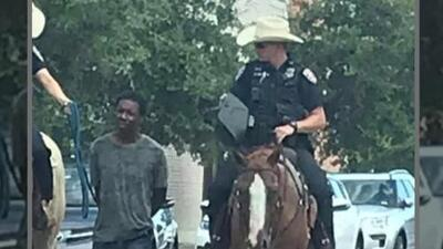 """""""Esto trae recuerdos de cosas horribles del pasado"""": abogado de hombre atado a una soga en Galveston durante un arresto"""