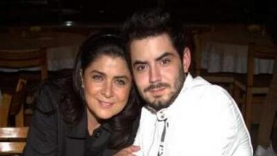 Victoria Ruffo cela a su hijo José Eduardo Derbez