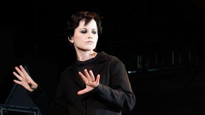 Estaba borracha y se ahogó: forense explica la muerte de la vocalista de The Cranberries