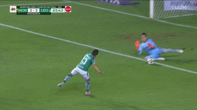 ¡León pudo finiquitar el juego! Ángel Mena perdona y Sebastián Sosa ataja con los pies