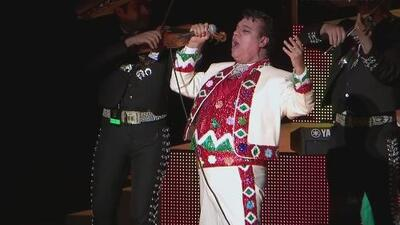Orquesta acompañará a Juan Gabriel en su próximo concierto