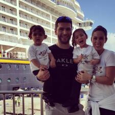 Jacky Bracamontes y su familia de vacaciones en Disney