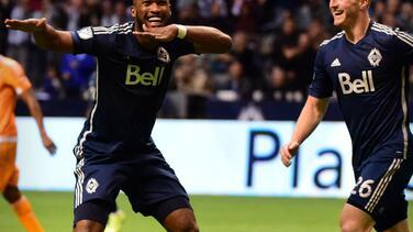 Vancouver Whitecaps goleó 3-0 a Houston Dynamo y aseguró pase a semis de los Playoffs