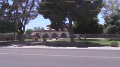 Revocarán licencias de operación a 13 centros que albergan menores inmigrantes en Arizona