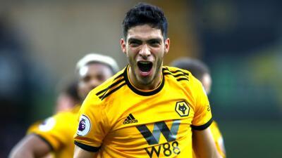En fotos: Raúl Jiménez comandó a los Wolves con gol y asistencia ante el Cardiff