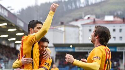 Eibar 0-4 Barcelona: Messi, con doblete, lidera nueva goleada de un Barça que no afloja