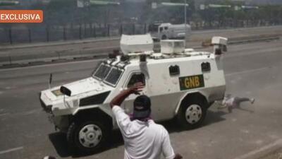 """""""Sigo vivo"""": el dramático testimonio de un joven al que le pasó encima una tanqueta del régimen de Maduro"""