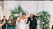 Pareja de trabajadores de servicios médicos reciben la boda de sus sueños