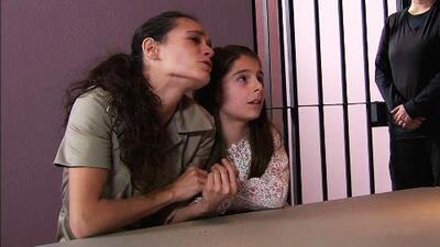 Una madre puso en peligro a su hija al vender droga