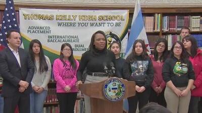 Seis escuelas más de Chicago contarán con el programa de materias avanzadas conocido como AP