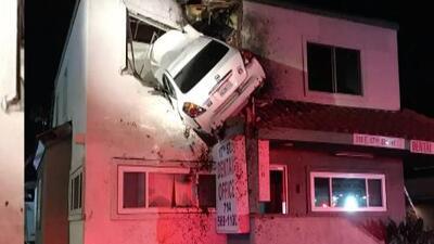 'Los Ángeles en un Minuto': Impactantes imágenes de un accidente automovilístico en Santa Ana