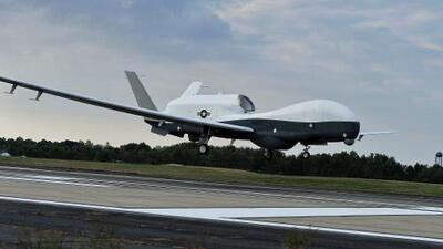 Irán afirma que derribó un dron estadounidense aumentando las tensiones en el Medio Oriente