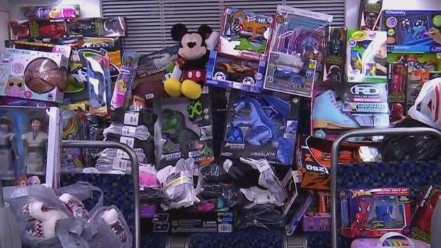 Contribuye llenando este autobús de DART con regalos para ayudar a los más necesitados esta Navidad